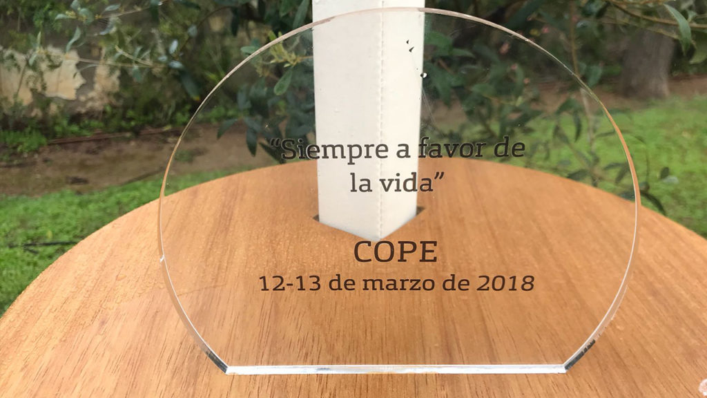 [:es] La Cadena COPE planta su árbol en el Jardín de los Eventos 1 [:en] Cadena COPE leaves their tree in 'The Garden of Events' 1 [:]