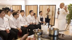 [:es] El 'Chef del Mar' da una clase magistral en Barceló Sevilla Renacimiento 6 [:en] Masterclass with the 'Sea Chef' at Barceló Sevilla Renacimiento 6 [:]